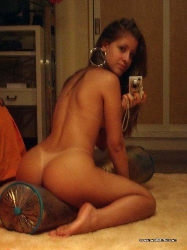 mirror self shot latina ass pics